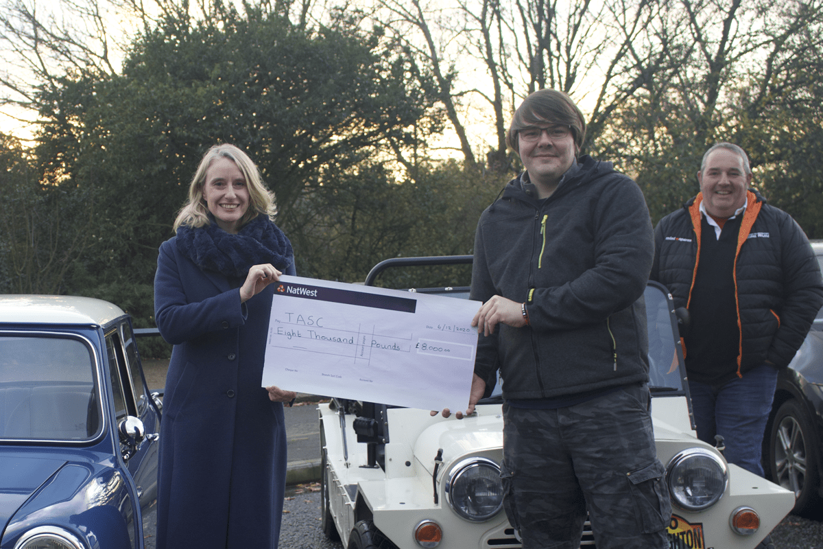 London & Surrey Mini Owners Club raise £8,000 to support The Ambulance Staff Charity (TASC)